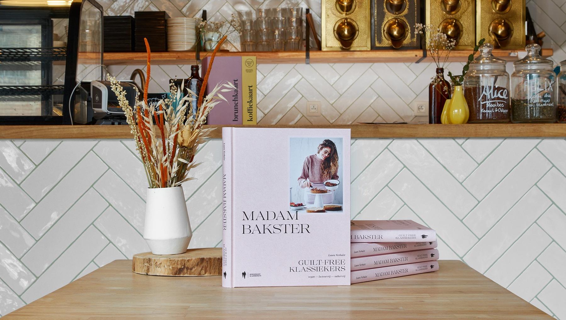 Guiltfree klassiekers ook BPost  - Ons tweede bakboek