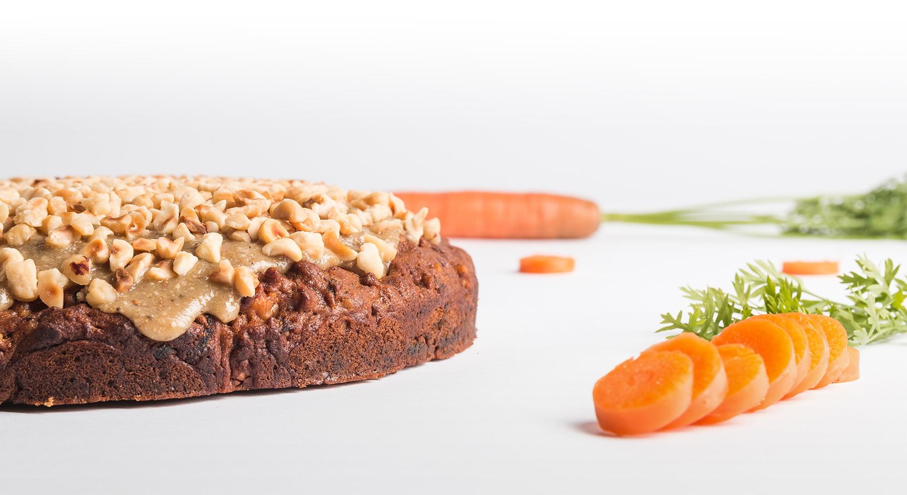 Oscar - Kruidige wortel-walnoot cake