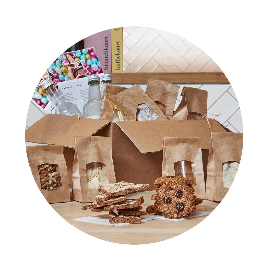 Bak-het-zelf koekjesbox - Toevallig wat tijd over Wees creatief en bak zelf 3 soorten guiltfree koekjesbr Recepten inbegrepen